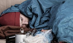 1 στους 3 Ελληνες ζουν σε συνθήκες φτώχειας