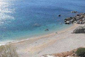 Ανασύρθηκε νεκρός 68χρονος στη παραλία του Μαραθώνα