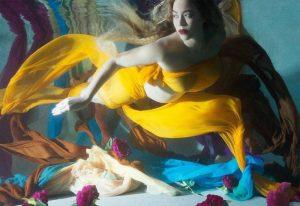 Υποβρύχια φωτογράφιση για την εγκυμοσύνη της έκανε η Μπιγιονσέ