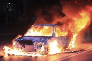 Απανθρακωμένες σοροί εντοπίστηκαν σε αυτοκίνητα