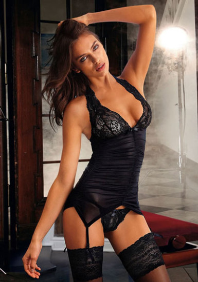 irina-shayk-in-black-lingerie
