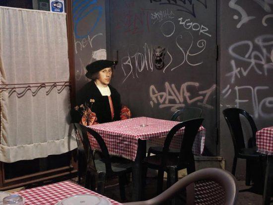 Πρόσωπα από την κλασσική ζωγραφική ενσωματώνονται σε σύγχρονα τοπία