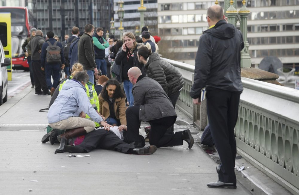 4 νεκροί -Τουλάχιστον 20 τραυματίες στο Λονδίνο