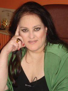 Έφυγε από τη ζωή η γνωστή αστρολόγος Βιργινία Λεούση