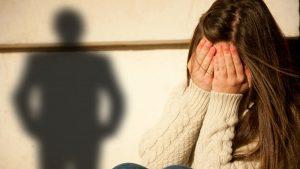 Ανήλικοι εκβίαζαν 13χρονη μέσω facebook