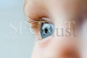 Όλα τα μωρά γεννιούνται με μπλε μάτια; Ξέρετε γιατί;