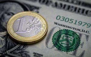 Άνοδο του ευρώ έναντι του δολαρίου