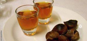 Στα 10 κορυφαία ποτά για τον χειμώνα το ρακόμελο