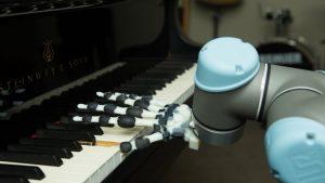 Πιάνο παίζει το πρώτο ρομποτικό χέρι